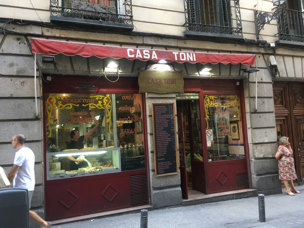 CASA TONI, Calle de la Cruz, 14 (between Calle de Espoz y Mina and Calle de la Victoria), Sol, Madrid, Spain